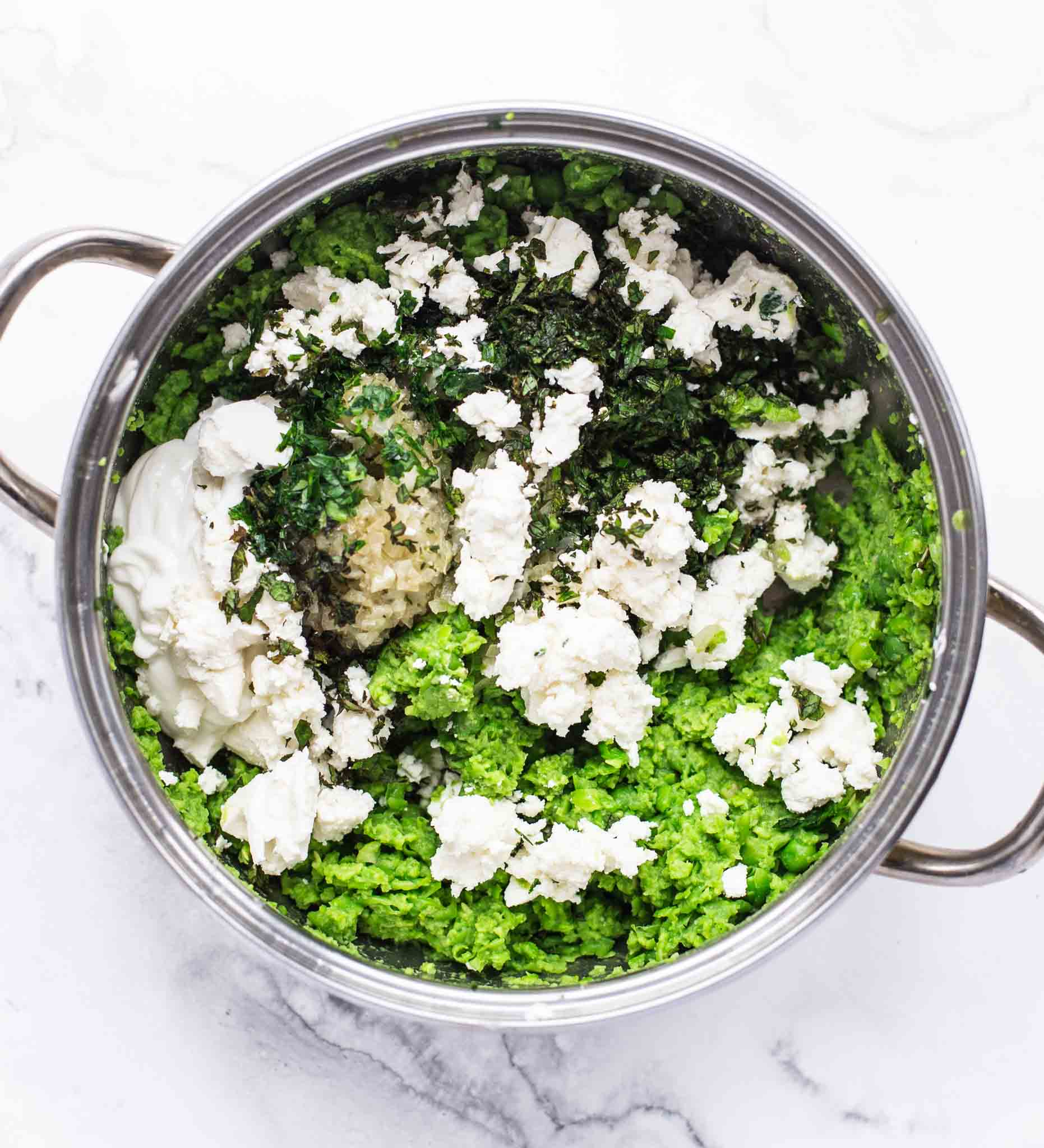 This pea and mint dip for chips recipe will become your new favourite dip for chips and all other crispy bits.