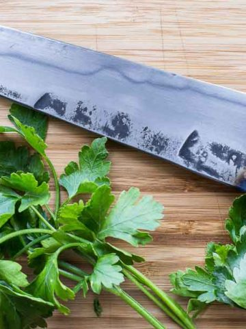 how to chop parsley or cilantro