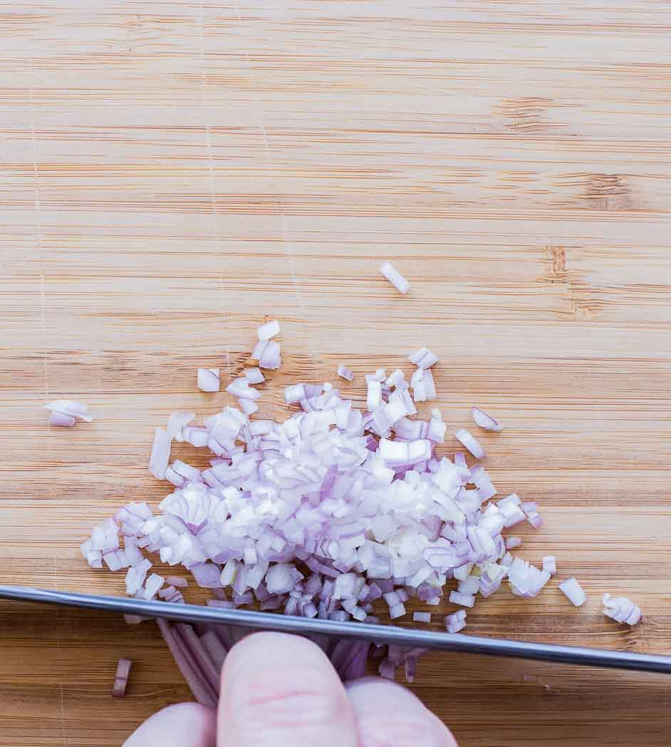how to chop shallots