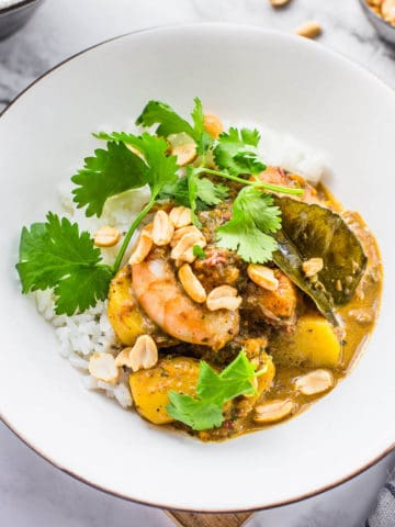 massaman curry with prawns