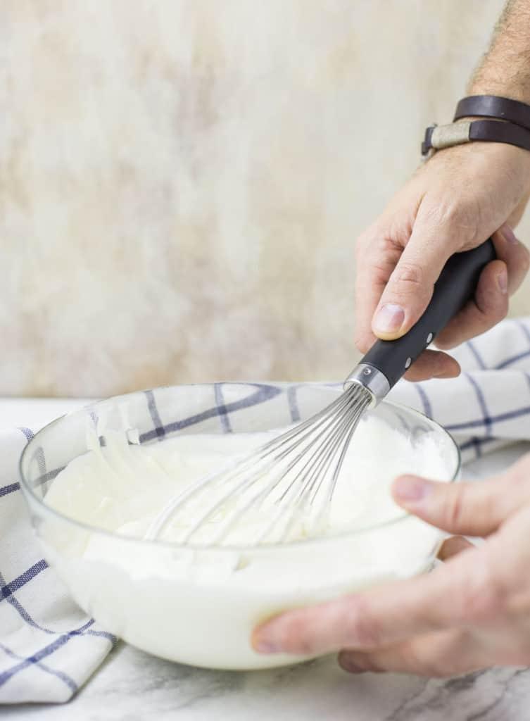 whipped sour cream for medovik