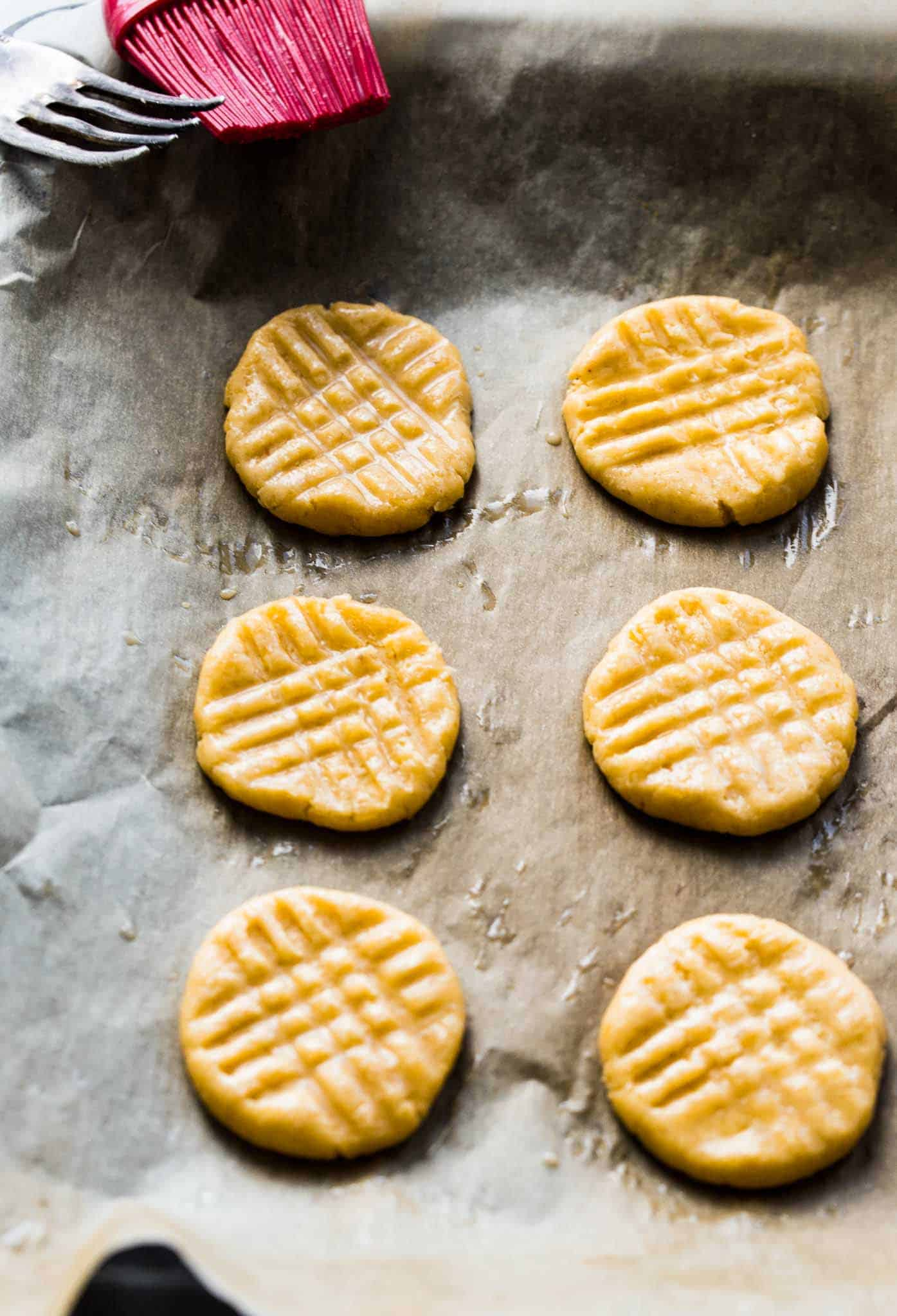 Baking these Parmesan shortbread cookies will fill your house with the most intense baked parmesan aroma. You will start salivating way before they are done and ready to eat. I warned you.
